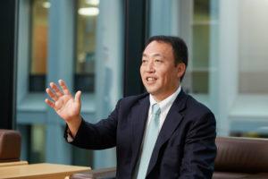 藤澤信義社長の顔画像