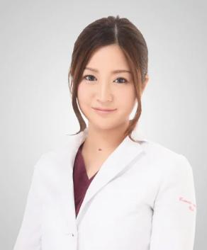 富田莉沙子院長の顔画像