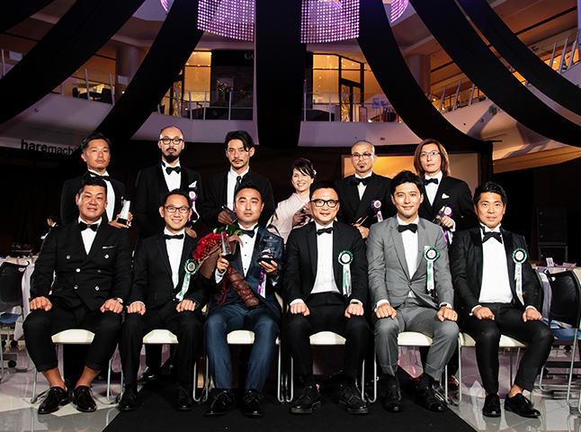 石川康晴の受賞式での姿